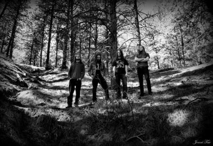 WAYFARER announces plans for new album, debuts live video filmed atop mountain